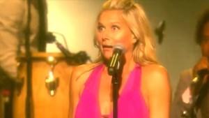 Jarige Nathalie Meskens weet tijdens concert niet wat haar overkomt
