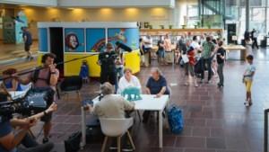 Experten taxeren kunst en kitsch in stadsbibliotheek van Genk