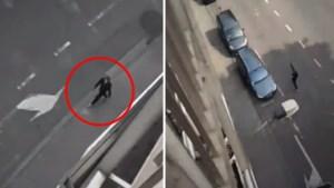 "Getuige filmt hoe dader door straten loopt en ""Allahu Akbar"" roept"