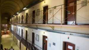 """Elf verdachten vrijgelaten uit gevangenis """"wegens mensonwaardige omstandigheden"""""""
