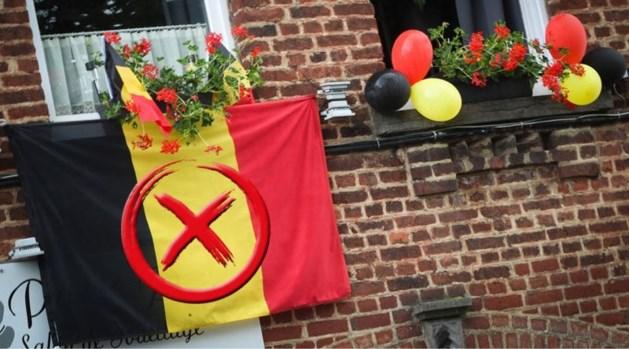 """We hangen massaal de tricolore buiten, maar """"de Belgische vlag is ongrondwettelijk"""""""