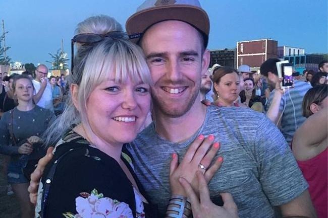 Beringse zegt 'ja' op huwelijksaanzoek tijdens concert Ed Sheeran