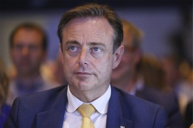 """De Wever over uithaal Peumans in onze krant: """"Jan heeft mensen beschadigd en dat geeft een belabberde indruk"""""""