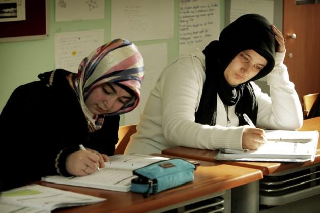 Toch geen algemene toelating hoofddoeken in Gentse stadsscholen