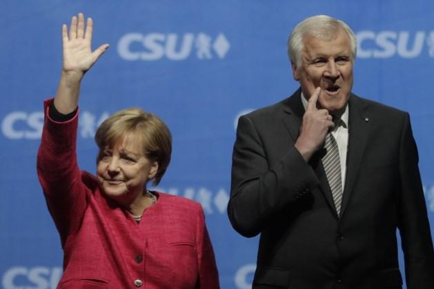 Merkel en Seehofer bereiken dan toch compromis over migratieproblematiek