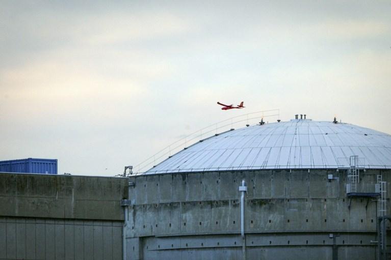 Greenpeace laat Superman-drone tegen kerncentrale crashen in Frankrijk