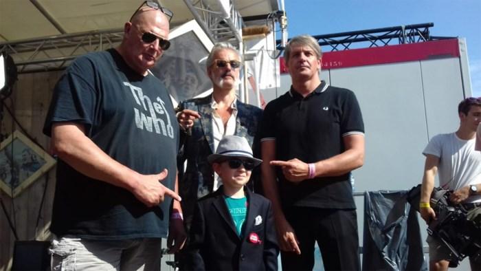 """Wij spraken Mirko (8) voor zijn optreden met Triggerfinger op Werchter: """"Eerst nog even slapen"""""""