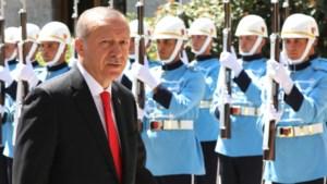Erdogan ontslaat 18.000 Turkse ambtenaren met nieuw decreet