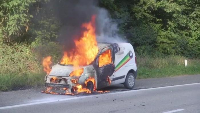 Auto van Nederlander gaat in vlammen op in Bilzen