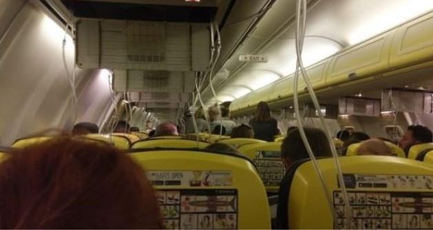 """Ryanair-vlucht daalt zo snel dat passagiers uit oren bloeden: """"Ik dacht dat mijn einde nabij was"""""""