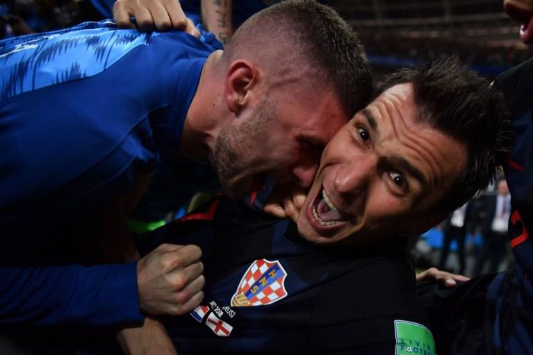 Fotograaf die op WK onder juichende spelers lag, mag op reis in Kroatië