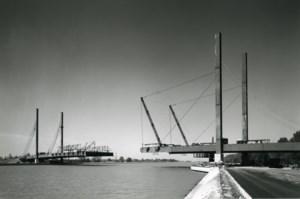 De spookbrug van Godsheide: Tuikabelbrug wacht al veertig jaar op bestemming
