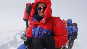 """Alkenaar (51) bereikt als eerste Belg ooit de top van 'Killer Mountain' K2: """"Een jaar lang drie uur per dag getraind"""""""