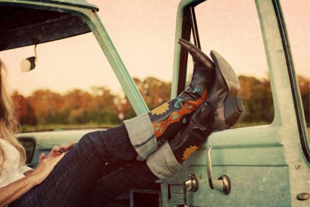 Zo draag je de cowboystijl (zonder dat het fout wordt)
