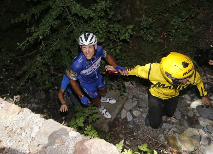 """Einde Tour en gebroken knieschijf voor Philippe Gilbert na spectaculaire val: """"Blij dat ik nog hier ben"""""""