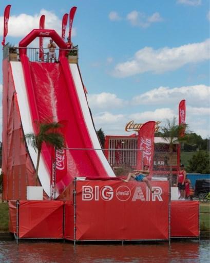 8 meter hoog en 20 meter lang: afkoelen kan op spectaculaire manier aan het Molse Zilvermeer