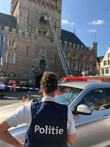 Reddingsactie in Brugse Belfort: hulpdiensten moeten toerist reanimeren nadat hij onwel werd