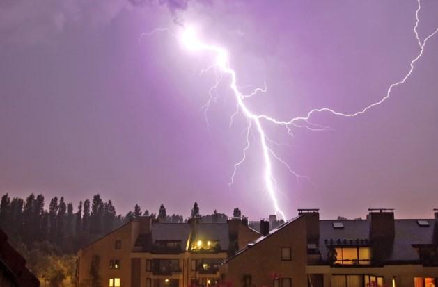 KMI waarschuwt voor hevig plaatselijk onweer, hagelbuien en rukwinden