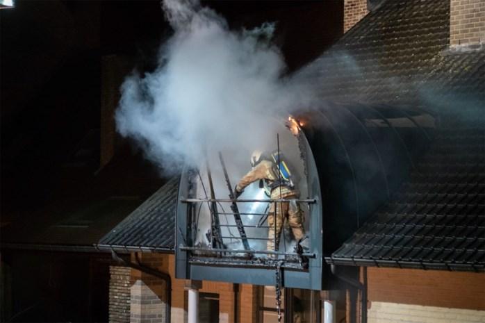 Uitslaande brand verwoest flat in Sint-Lambrechts-Herk