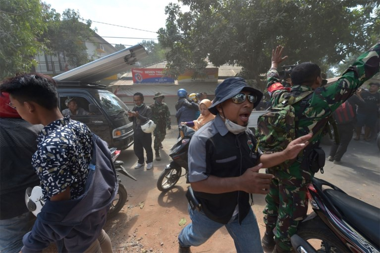 Indonesisch eiland Lombok opnieuw getroffen door zware aardbeving: verschillende huizen ingestort