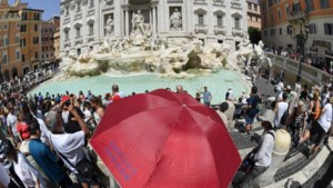 Ruzie om beste selfieplek aan Trevi-fontein ontaardt in zware vechtpartij onder toeristen