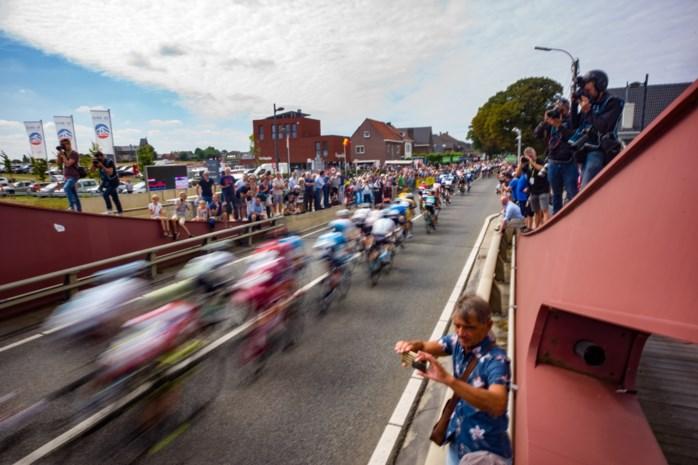 IN BEELD. Limburgers trekken naar Riemst voor zesde etappe BinckBank Tour