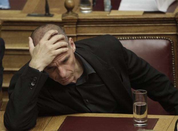 "Na 289 miljard euro hulp: ""Griekenland zakt dieper weg in zwart gat"""