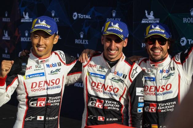 Alonso pakt zege in Silverstone, maar wordt alsnog gediskwalificeerd