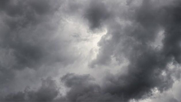 Zwaarbewolkt en grijs begin van de week