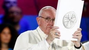 Paus vraagt vergiffenis voor misbruik door priesters