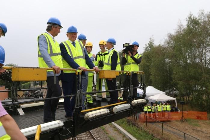 """Mobiliteitsminister Bellot heeft Limburgse smeekbede voor spoorinvesteringen begrepen: """"Geen dure stations, wel oplossingen voor ons mobiliteitsprobleem"""""""