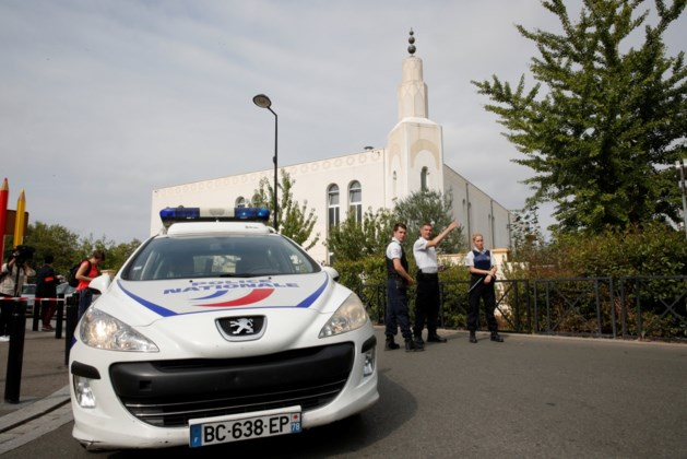 Twee doden bij steekpartij in voorstad Parijs: IS eist aanslag op