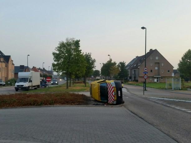 Zoveelste ongeval op rotonde Genits-Hoogstraat