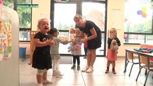 VIDEO. Traantjes op eerste schooldag in Achel