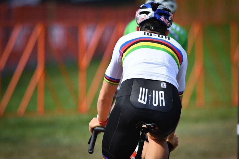 In deze trui rijdt Wout van Aert zondag zijn eerste wedstrijd na breuk met ploeg