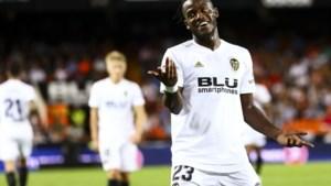 Valencia pakt eerste zege van het seizoen in La Liga, Batshuayi komt beenlengte tekort om te scoren
