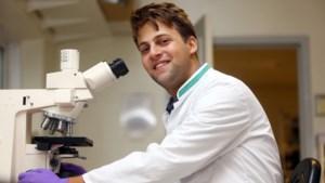 """Achelaar (24) ontrafelt aangetaste cellen vanuit Universiteit Maastricht: """"Een bijdrage leveren aan de strijd tegen kanker"""""""