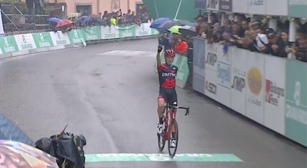 Sterke De Marchi soleert naar winst in de Giro dell'Emilia, Teuns moet alweer tevreden zijn met een podiumplek
