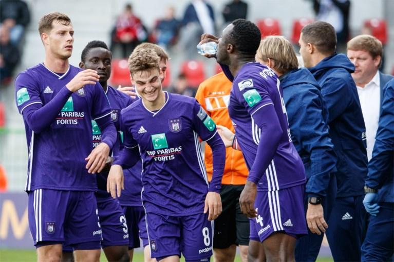 Anderlecht bezweert (voorlopig) de crisis en pakt deugddoende zege, Zulte Waregem blijft op de sukkel