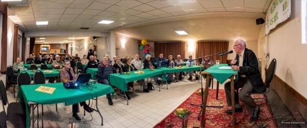 Jan Kohlbacher spreekt in dialect over samenleven in Eisden-Cité voor 45ste dialectavond