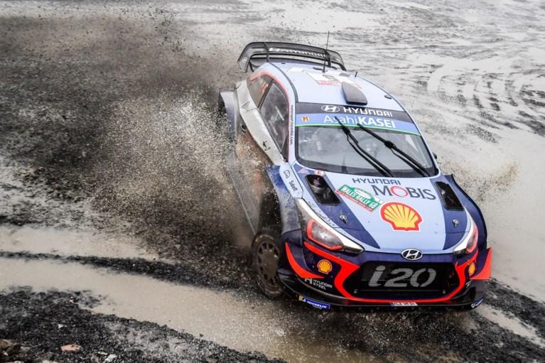 Ogier leidt in Rally van Wales na een dramatische wedstrijddag