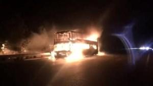 Peerse chauffeur redt 37 reizigers uit brandende bus in Spanje