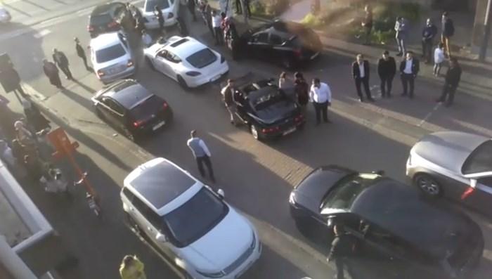 VIDEO. Politie opgeroepen voor 30 wagens en 150 feestvierders bij trouwstoet in Beringen
