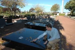 Burgemeester Terwingen naar graf overleden vader na bezoek aan stembus