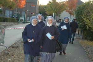 Ook zusters vroeg wakker om te stemmen in Opgrimbie