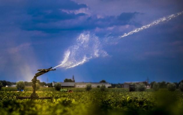 Duitse tankwagens brengen duizenden liters drinkwater naar België
