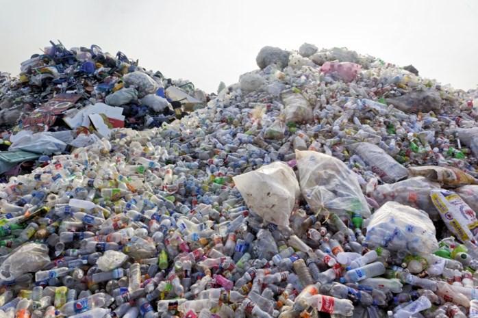 Slechts helft van plastic flessen wordt gerecycleerd