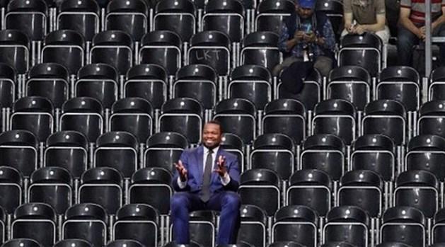50 Cent koopt 200 tickets voor concert van grootste rivaal om eerste rij leeg te laten