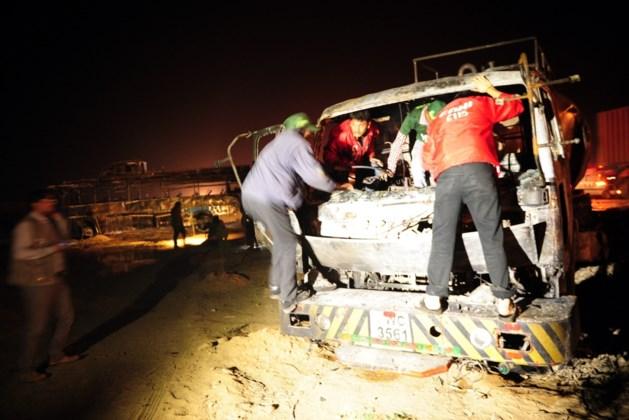 Zeventien doden bij busongeluk in noorden van Pakistan
