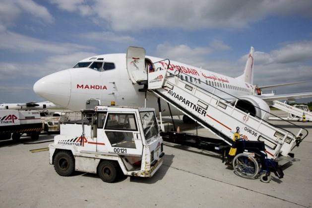 """Directie stuurt deurwaarder op Aviapartner af: """"Stakers beletten werkwilligen aan de slag te gaan"""""""